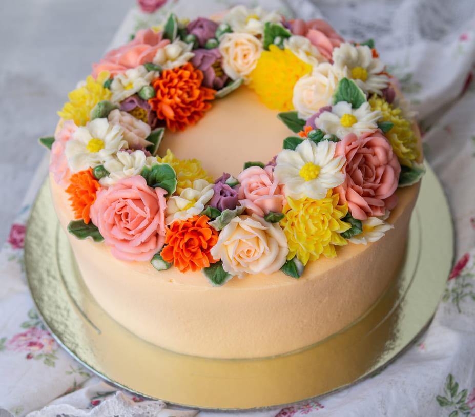 Торт женщинам